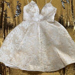 Size 8 Camille La Vie dress